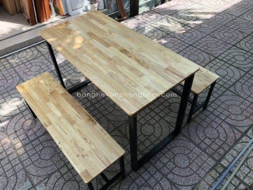 Bàn ghế chân sắt gỗ Cao Su 1