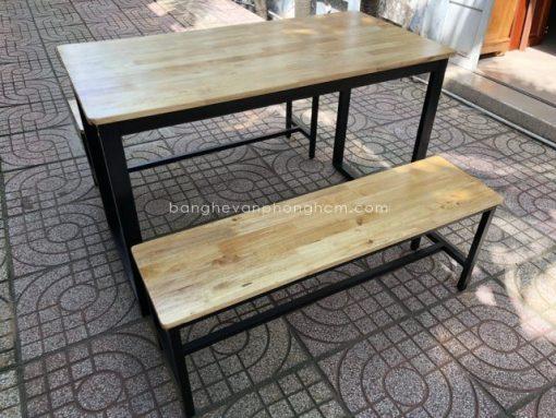 Bàn ghế chân sắt gỗ Cao Su 2